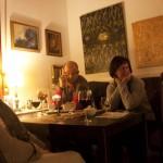 Zuhörer im Kunstcafe